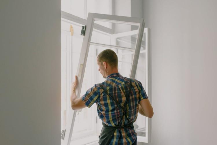 Renovate บ้านด้วยหน้าต่างประตู uPVC
